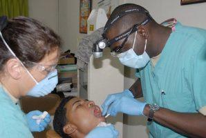 dentist-676421__340